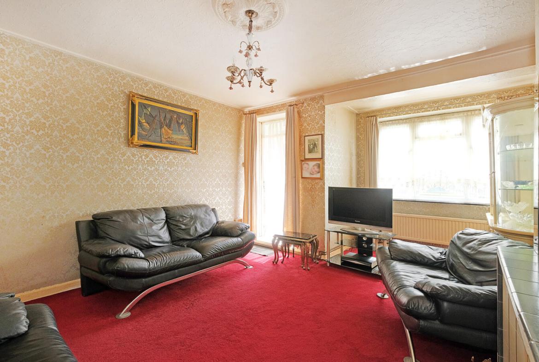 2 Bedroom Flat For Sale - Hackney - London